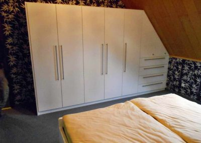 Schlafzimmer-deckend-weiß-endlackiert-8